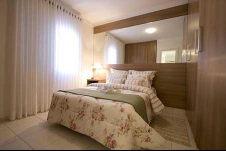 Como ampliar visualmente quarto de casal pequeno