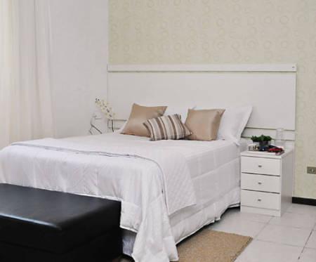 Como decorar quarto de casal pequeno gastando pouco