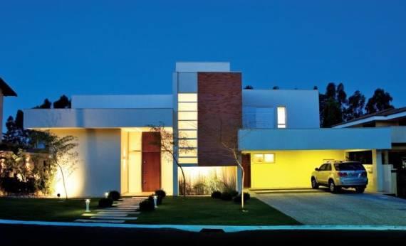 Projeto de iluminação de fachada - sobrado contemporâneo
