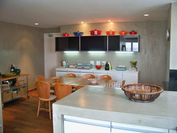 Fotos de cozinhas clean com bancada de cimento