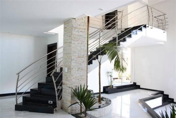 Imagens de escadas de granito preto moernas