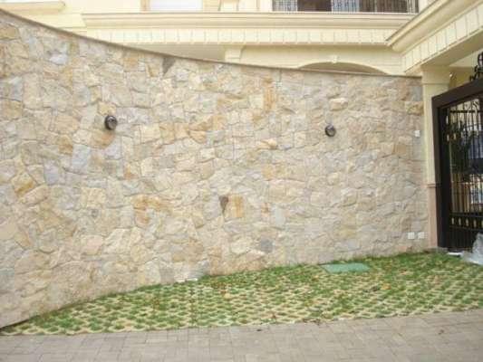 fachada-com-pedra-madeira-fotos