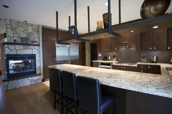 Dicas de pedras para bancada de cozinha com madeira