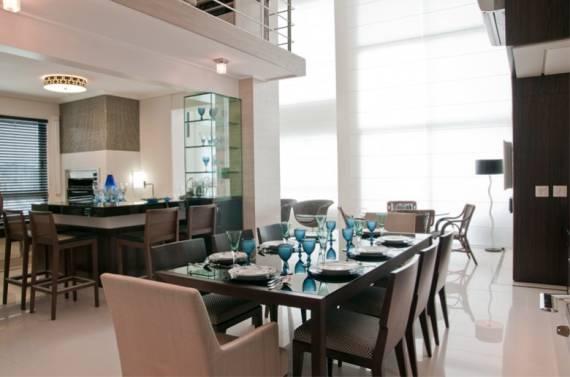 Fotos de sala de jantar com Pé direito duplo
