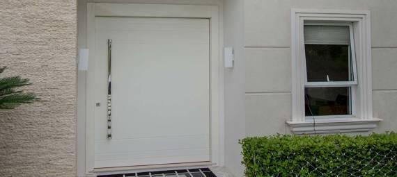 Comprar Porta pivotante branca laqueada