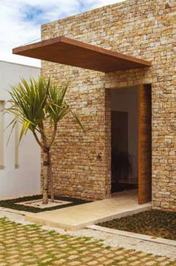 Estilos de portas pivotantes para casas