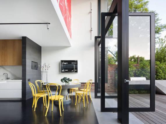 Modelos de porta pivotante preta com vidro contemporânea