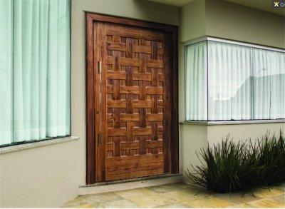 Casas simples térreas com porta pivotante fica bom