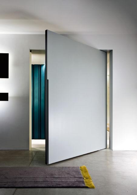porta clean cinza, da cor da parede