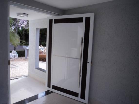 Modelos de porta pivotante de alumínio diferente