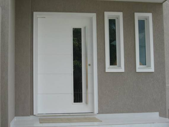 Como escolher a porta pivotante de entrada