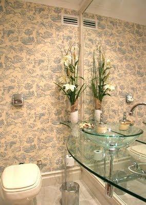 Fotos de banheiro pequeno com cuba e bancada de vidro