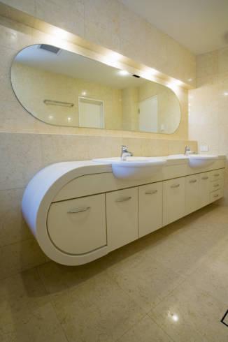Bancada de banheiro em corian - preço e fotos