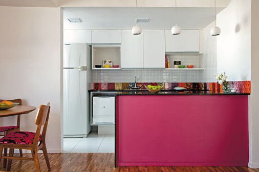 Decora o de casas simples dicas baratas e criativas for Cocinas integrales para apartamentos pequenos