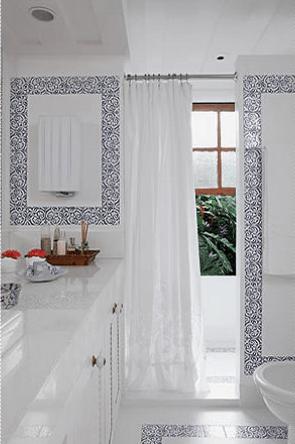 Ideias de revestimentos clean para banheiros - pastilhas e pedras