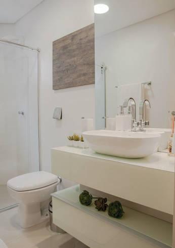 Imagens de banheiros brancos clean pequenos