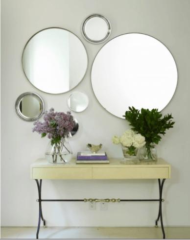 Ideias diferentes para preencher parede com espelhos