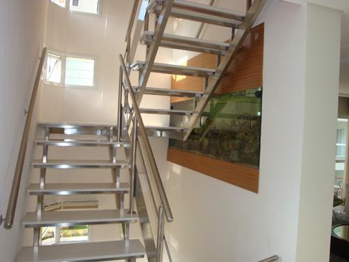 Fotos de projetos de escadas de inox