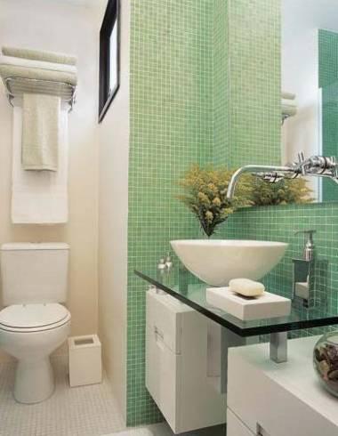 Fotos de lavabos decorados com pastilhas de vidro coloridas
