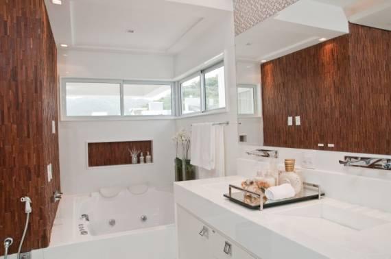 Fotos de bancadas de banheiros em nanoglass branco