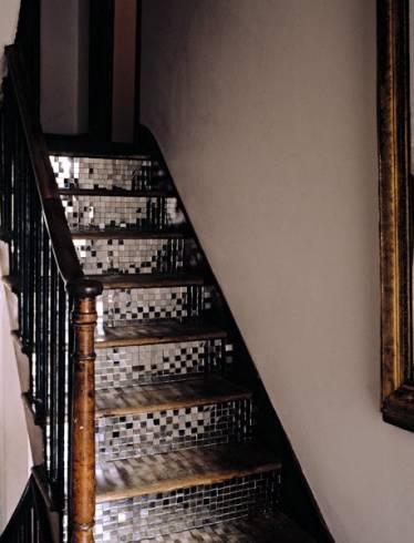 Dicas de escadas baratas internas para casa pequena