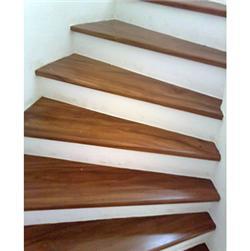 Tipos de escadas para casas pequenas - em leque
