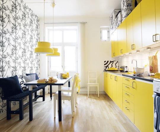 Fotos de cozinhas decoradas coloridas com pendentes