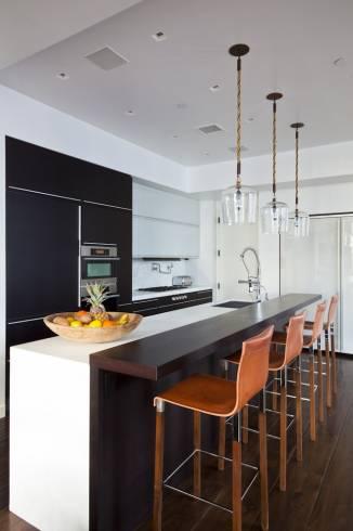Fotos de cozinhas decoradas com luminárias pendentes modernas