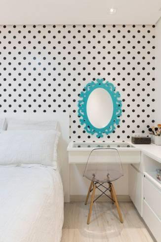 Fotos de quarto decorado com espelho provençal oval colorido