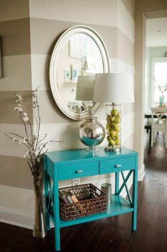 Fotos de decoração com espelho oval simples e moderno