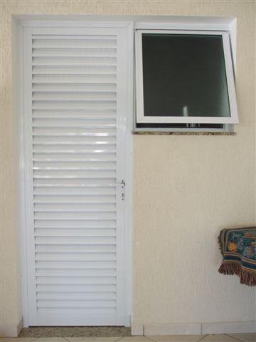 Modelos de portas brancas de metal para interior