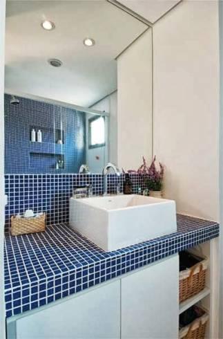 Banheiros com pastilhas 60 modelos maravilhosos e dicas for Armario lavabo barato