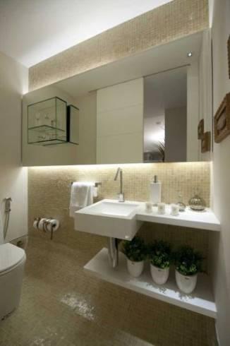 banheiro contemporâneo com pastilhas