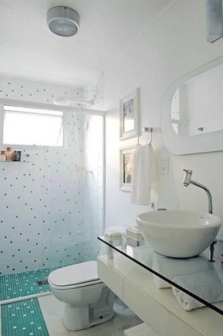 banheiro de pastilha diferente