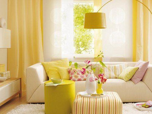 sala neutra amarela