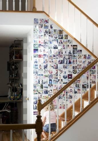 como decorar a parede da escada com fotos