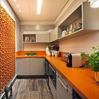 cozinha alaranjada pequena