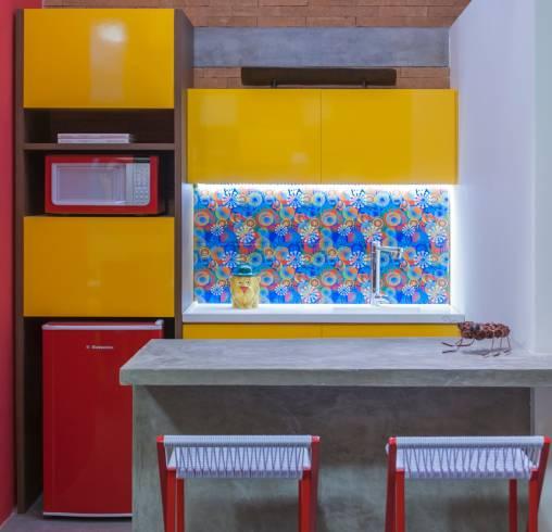 ideias para cozinha pequena colorida