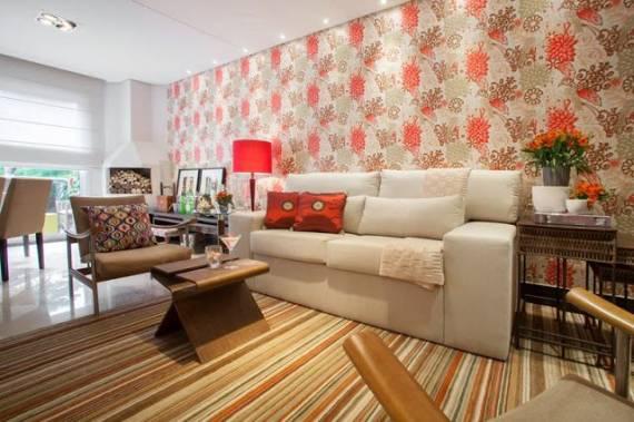 papel de parede floral na sala de estar