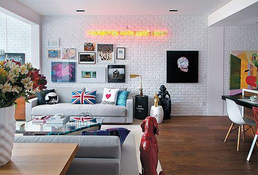 parede de tijolo aparente branco