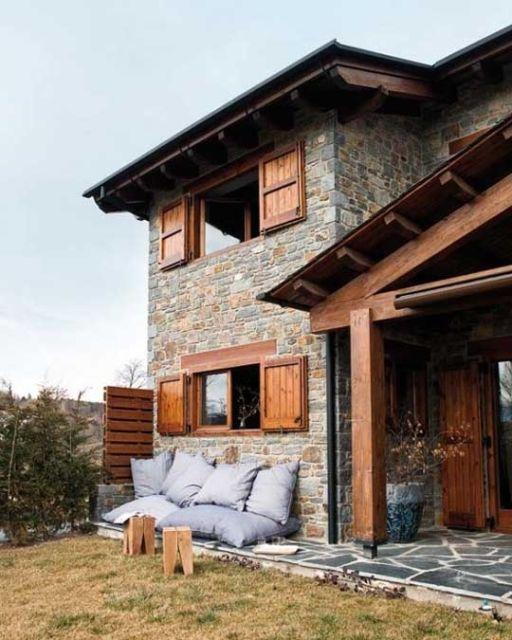 fachada sobrado pedras