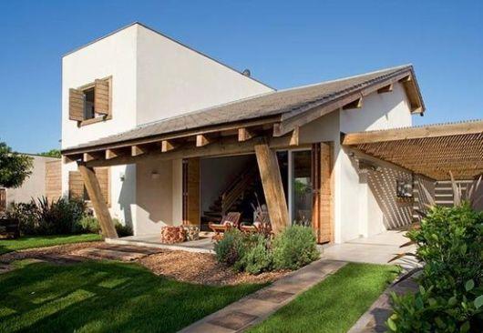 casa rústica moderna com telhado embutido e aparente
