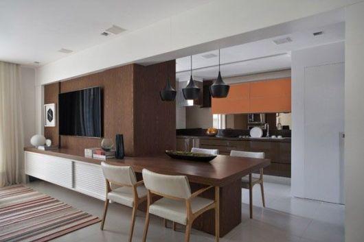 decoracao de apartamentos pequenos sala de jantar : decoracao de apartamentos pequenos sala de jantar:Nessa sala, a ideia de manter as mesmas cores para os móveis de