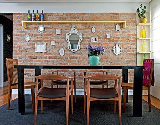Sala De Jantar Letra Scracho ~  de tijolos a vista a combinação de espelhinhos provençais deu