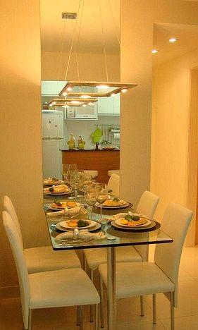 Espelho para sala de jantar 50 fotos e dicas for Mesas para apartamentos pequenos
