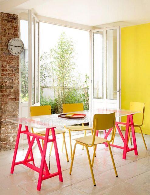 mesa moderna colorida