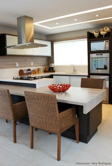 cozinha marrom pequena