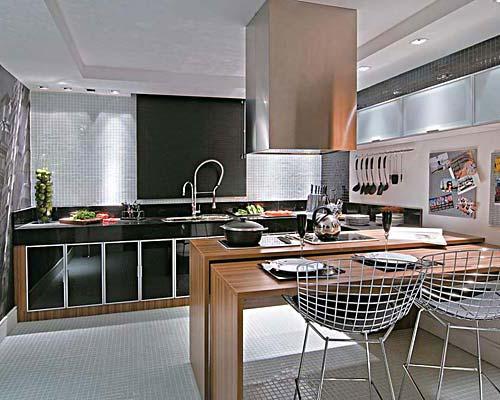 armários pretos na cozinha