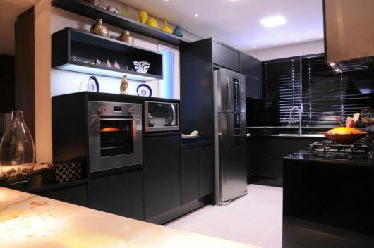 decoração cozinha sofisticada preta