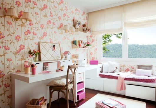 quarto feminino parede floral